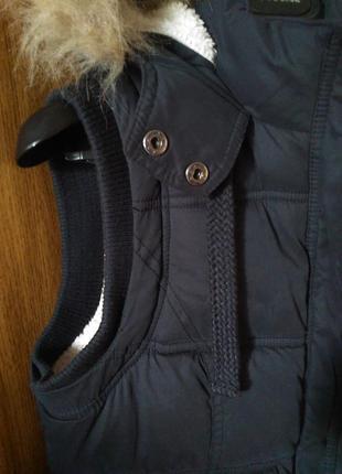 8-10/с-м крутая стеганная меховая жилетка безрукавка с капюшоном7 фото