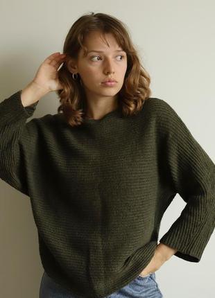 Оливковий светр mango