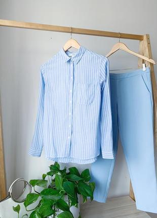 Голубая женская рубашка в полоску
