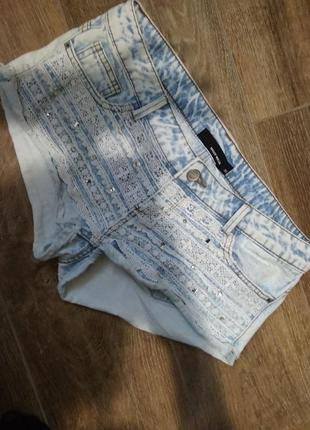 Джинсовые шорты tally waijl