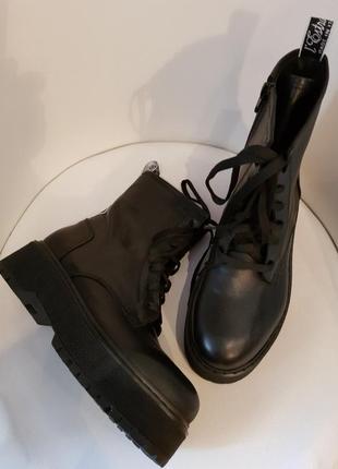 Ботинки деми в стиле милитари l`estrosa