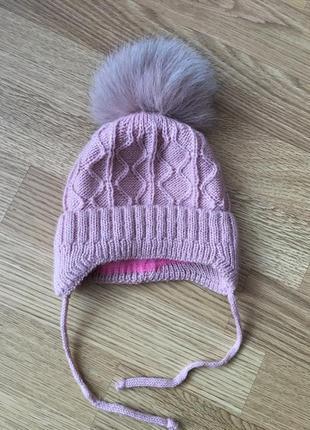Теплая зимняя шапочка для девочки
