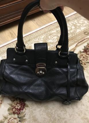 Продам очень красивую кожаную сумку maxmara