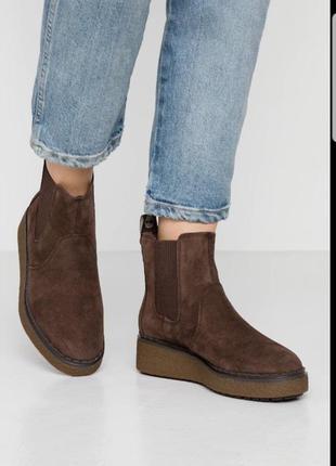 Замшевые ботинки ,челси на платформе timberland,оригинал.