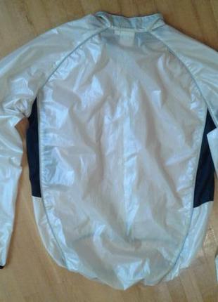 Надежная непорокаемая курточка для велоспорта/бега  sportswear  m разм.