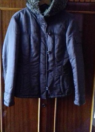 Куртка жіноча модна