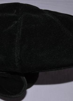 Шапка, кепка с отворачивающимися ушками. новая.