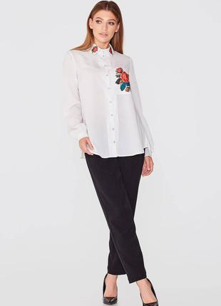 Біла блуза-сорочка з квітами nenka