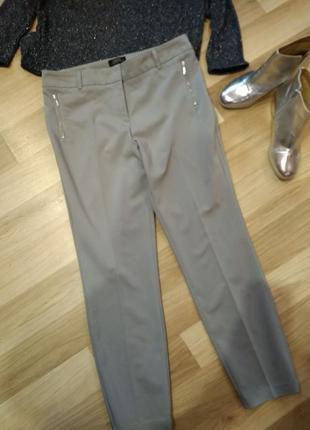 Супер стильные брюки серые, без дефектов крутая модель.