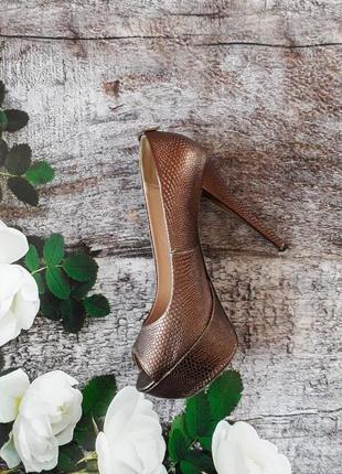 Туфли с открытым носком 38 размер centro