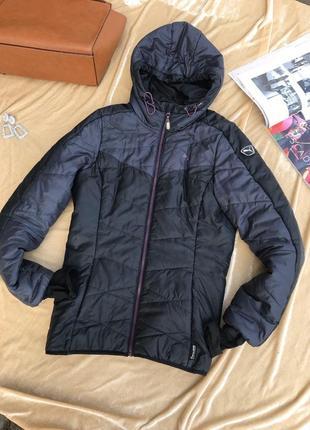 Короткая чёрная зимняя куртка puma женская