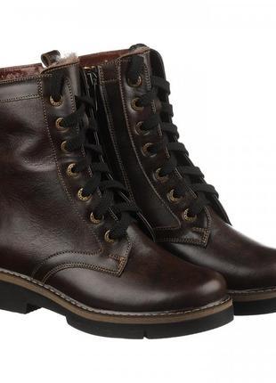 Зимние ботинки коричневого цвета из натуральной кожи