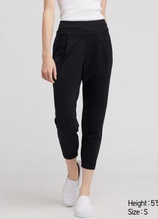 Черные спортивные укороченные штаны airism uniqlo