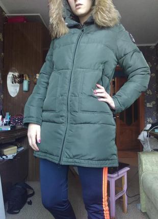 Стильная тёплая куртка пуховик с мехом