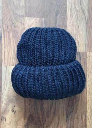 Новая стильная синяя объемная шапка