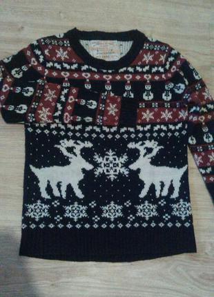 Новогодний свитер с оленями и снеговиками