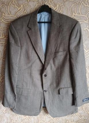 Шикарный,  классический , шерстяной,брендовый пиджак mario barutti