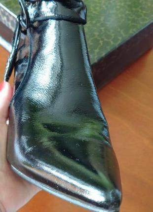 Изысканные ботинки basconi