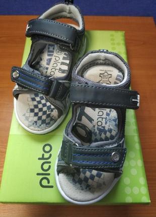 Босоножки, сандалии plato