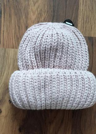 Новая стильная объемная шапка цвет пудровый