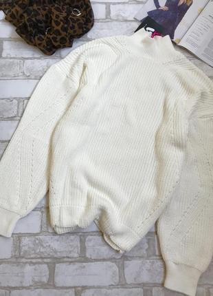 Білий светрик