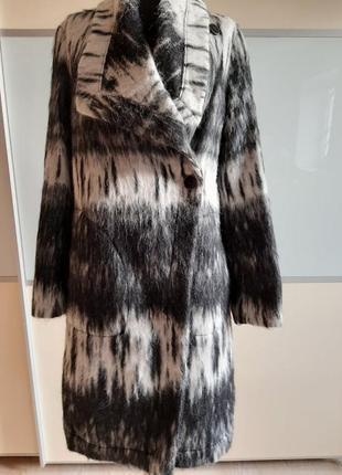 Шерстяное пальто от голландского бренда creenstone, 36 размер.