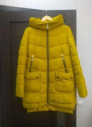Зимняя желтая куртка