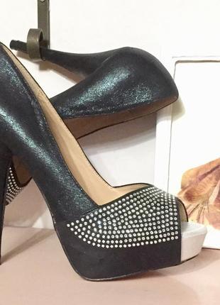 Нарядные босоножки туфли с открытым носком на высоком каблуке и платформе