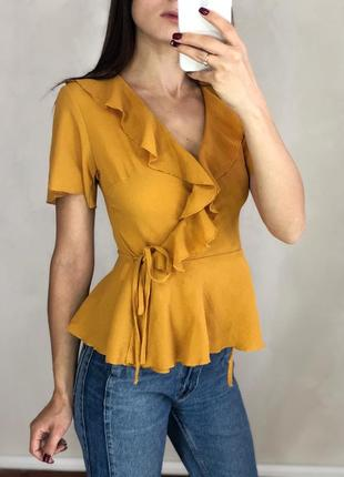 Горчичная блуза на запах