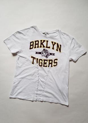 Крутая белая футболка с надписью,футболка с корсетом на талии,белая футболка с принтом