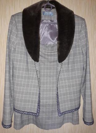 Костюм двойка пиджак юбка м