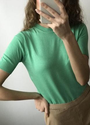 Мятная трикотажная футболка джемпер мятный бирюзовый зелёный короткий рукав тренд