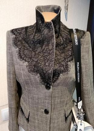 Крутячий брэндовый пиджак жакет блейзер с кружевом брэнд apriori escada