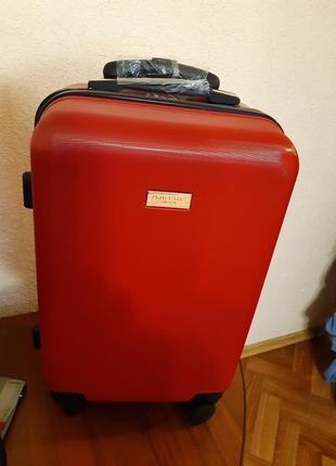 Стильный чемодан для путешествий