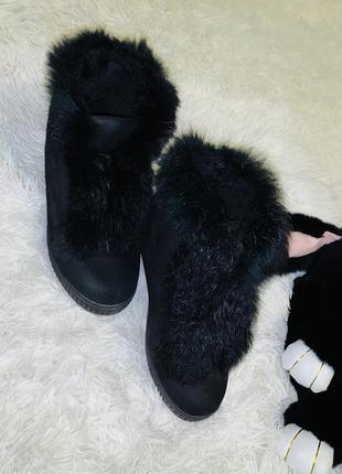 Модные демисезонные сникерсы с мехом 34 размер-21,5см!