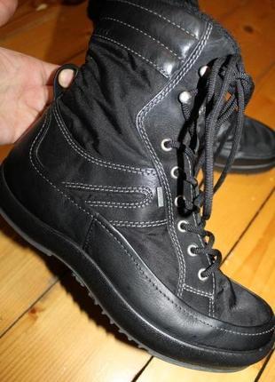 39 разм. зимние ботинки ecco gore - tex. не промокают.