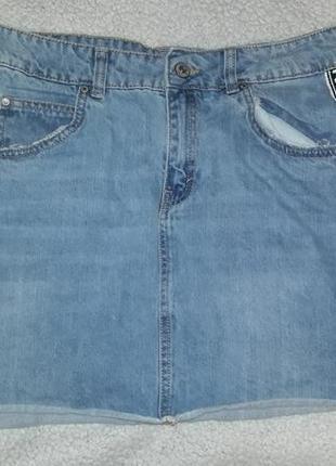 Джинсовая юбка с ломпасками