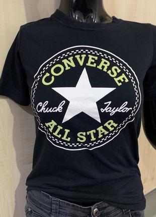 Чёрная футболка converse