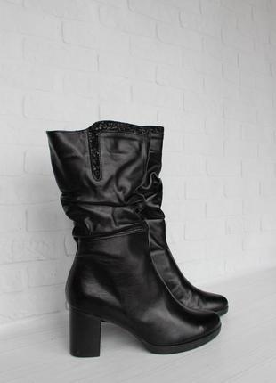 Зимние кожаные сапоги, ботинки, полусапожки 36, 39, 40 размера на каблуке