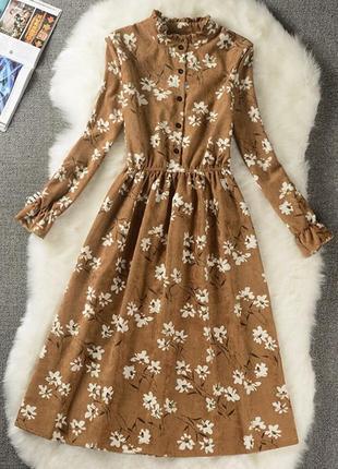 Вельветовое платье горчичного цвета