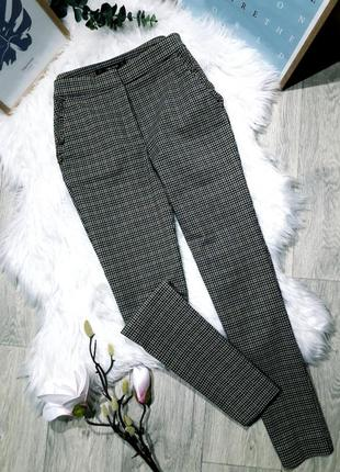Актуальные брюки в клетку от zara