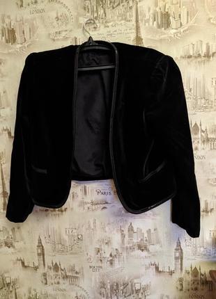 Жакет бархатный суперский,женственный,натуральный .,черный цвет.,бархат