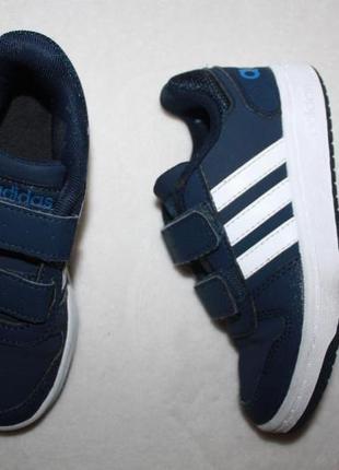 Кроссовки фирмы adidas 29 размера
