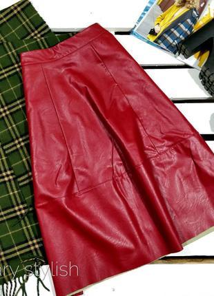 Крутая эко-кожа юбка миди красная donia moda