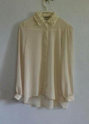 Удлиненная рубашка с кружевным воротником