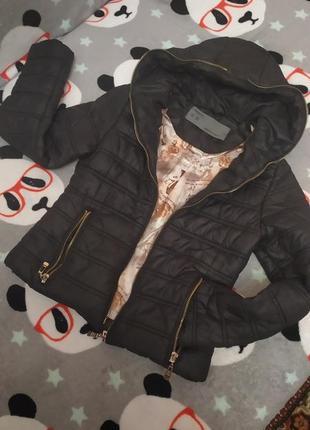 Демисезонная курточка для девочек