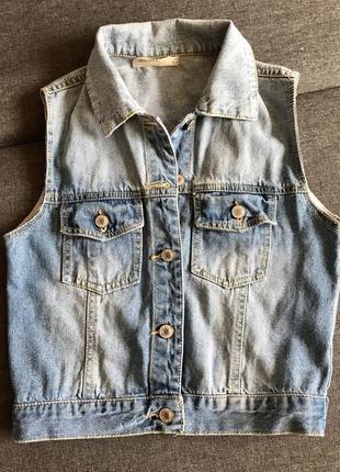 Стильная джинсовая жилетка от vera & lucy