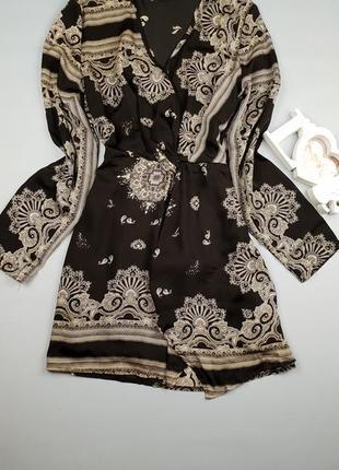 Красивое платье в принт орнамент pretty little thing