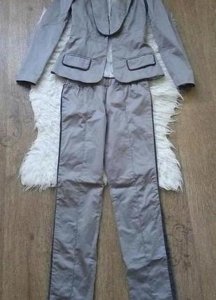 Деловой костюм tago серый размер 34 xs брюки пиджак