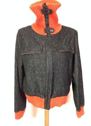 Легкая курточка- бомбер. /44/ brend just b